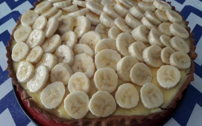 Bananentaart met rice krispies en witte chocolade